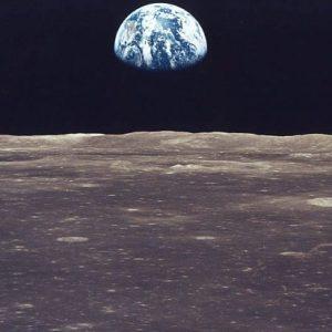 LA NASA BOMBARDEA LA LUNA para hallar agua