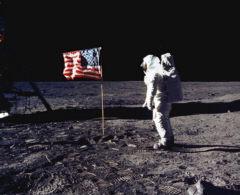 Apolo 11bis, Planeta Incógnito