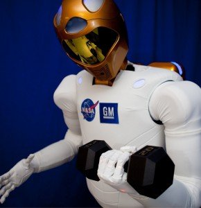 Robonaut Levantando Peso