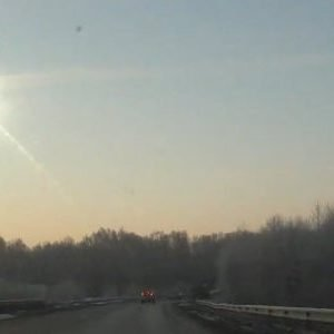 Una lluvia de meteoritos en Rusia causa más de 500 heridos, 3 de ellos de gravedad