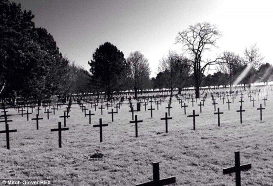 fotografia del cementerio con el supuesto fantasma