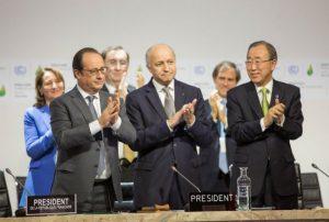 De izquierda a derecha, François Hollande, Laurent Fabius y el Secretario general de la ONU Ban Ki-moon