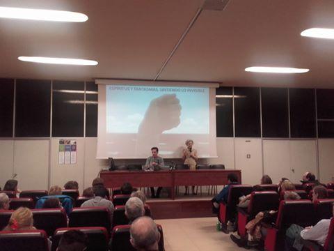 Conferencia de Aldo Linares sobre Espíritus y Fantasmas Sintiendo Lo Invisible 6