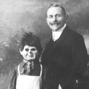 El origen de la  leyenda del  Ventrílocuo que usaba un cadáver como muñeco