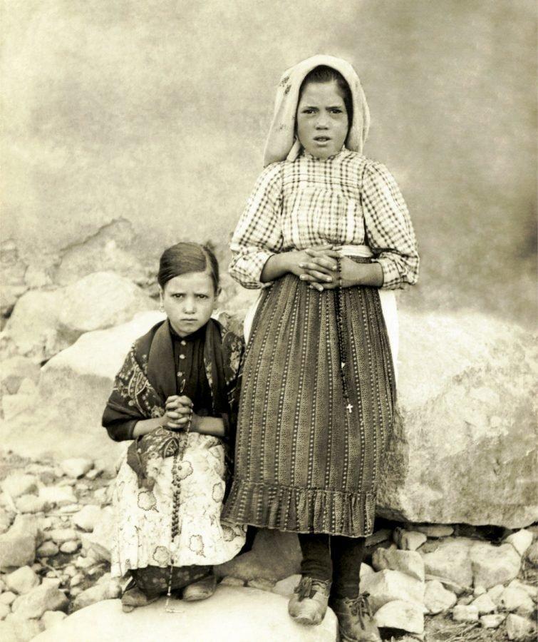 Las niñas Jacinta Martos y Luicía Dos Santos