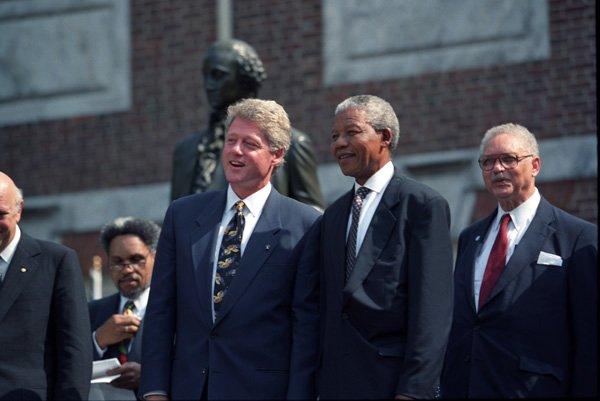 Nelson Mandela Con el presidente Clinton