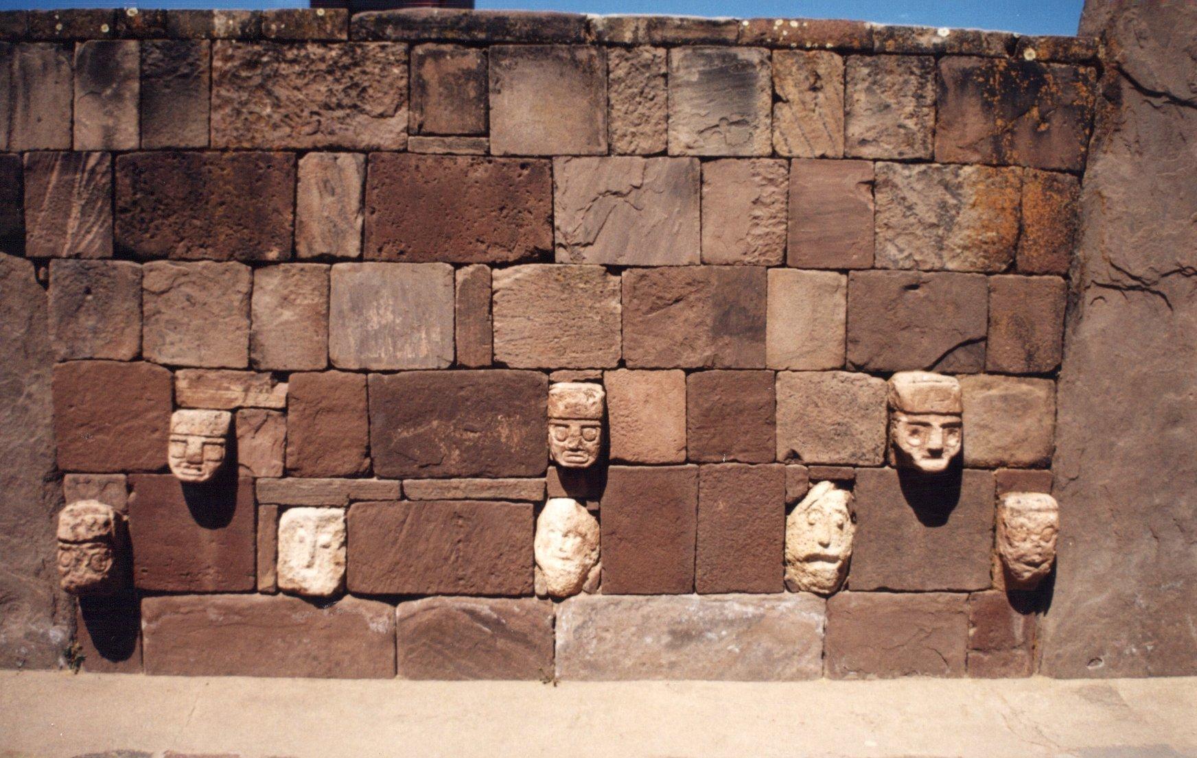 Tiahuanaco: la ciudad del Dios Viracocha y conexión con otras razas/culturas del mundo 5