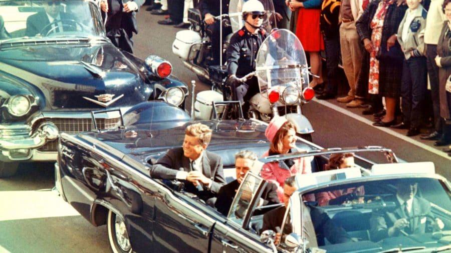 Trump anuncia la desclasificación de los archivos secretos sobre el asesinato de John F. Kennedy 1