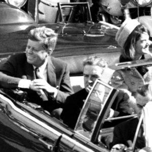 Trump anuncia la desclasificación de los archivos secretos sobre el asesinato de John F. Kennedy
