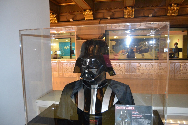 Inaugurada la exposición oficial de Star Wars en el edificio Telefónica de la Gran Vía en Madrid 3