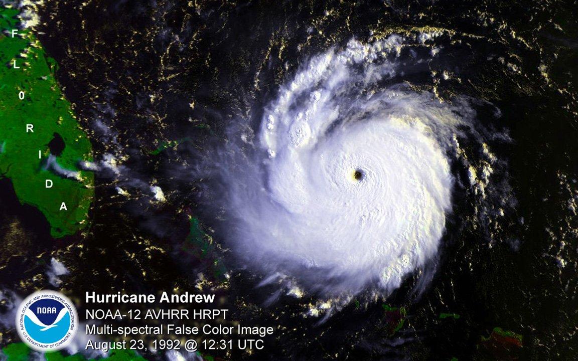 Huracán Andrews antes de azotar Florida en 1992