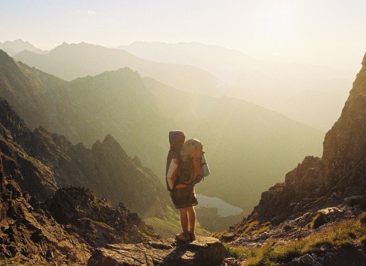 Solo en la montaña