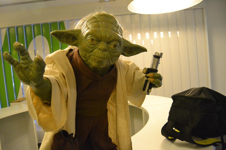 Inaugurada la exposición oficial de Star Wars en el edificio Telefónica de la Gran Vía en Madrid 2