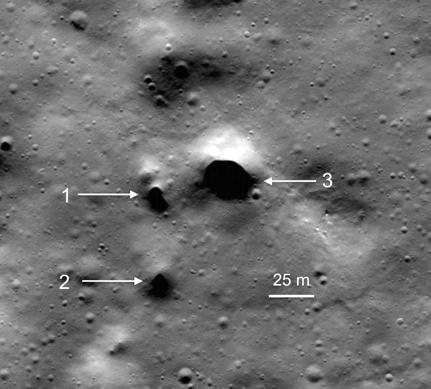 Las oquedades observadas en el Polo Norte de la Luna. ¿Conducirán realmente a túneles de lava y quizás a depósitos de agua helada? El tiempo lo dirá