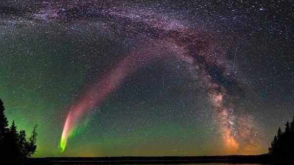 Cientificos Explican Las Misteriosas Luces Purpura Del Cielo De Canada, Planeta Incógnito