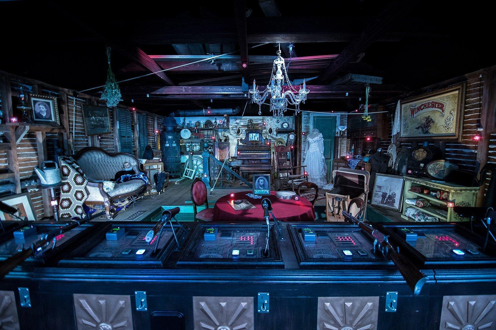 Salon de Tiro, descubierto en la casa y trasladado a un espacio exterior de la finca