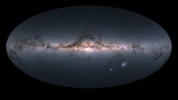 El cielo de Gaia y la Vía Láctea en color