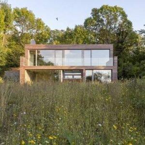 Esta casa produce el doble de energía de la que consume en un año