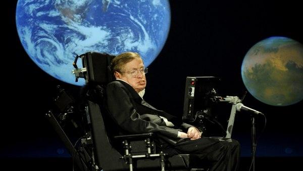 Avila Coloca El Mensaje De Paz De Stephen Hawking En El Espacio, Planeta Incógnito