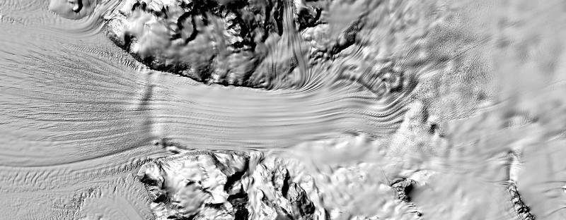 Imagen que muestra un glaciar al sur de Dry Valley. Crédito: Agencia Nacional de Inteligencia Geoespacial Estadounidense