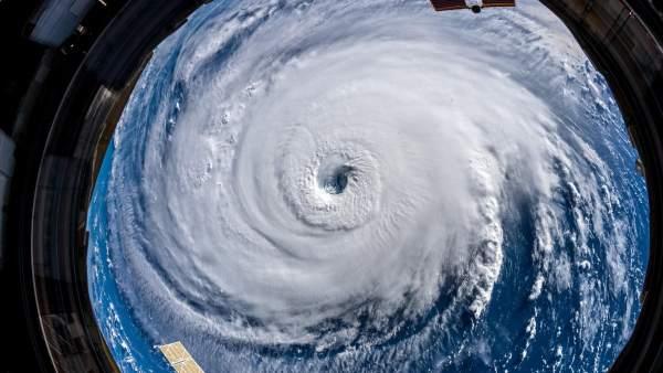 Un Astronauta Advierte Sobre El Huracan Florence Estad Preparados Una Pesadilla Va A Por Vosotros, Planeta Incógnito