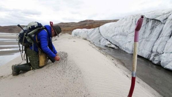 Hallan en Groenlandia un cráter del tamaño de París causado por el impacto de un meteorito 2
