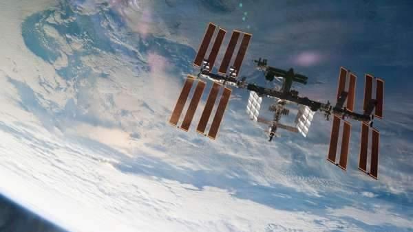 La Estación Espacial Internacional celebra este martes el inicio de 20 años de vida compartida en el espacio 5