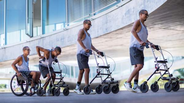 Tres parapléjicos vuelven a andar con una nueva terapia con estimulación eléctrica desarrollada en Suiza