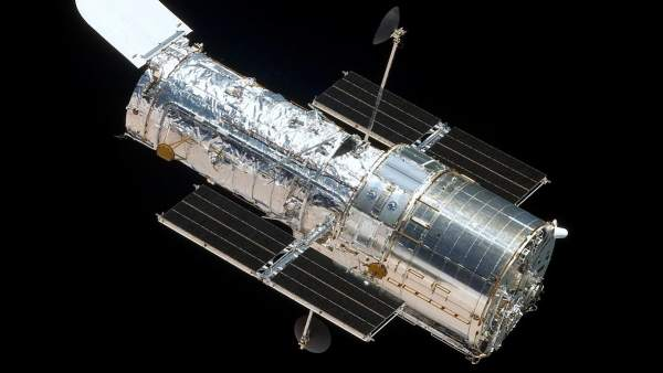 La Nasa Detecta Un Fallo En Una De Las Camaras Del Telescopio Hubble, Planeta Incógnito