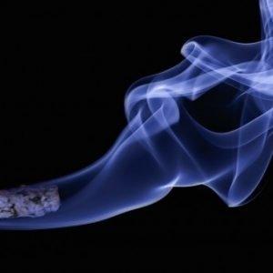 El tabaco afecta más a la fertilidad del hombre de lo que se creía: «El ADN se rompe y provoca abortos y anomalías»