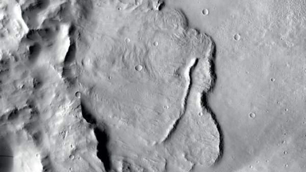 Hallan la primera evidencia geológica de un sistema global de acuíferos en Marte