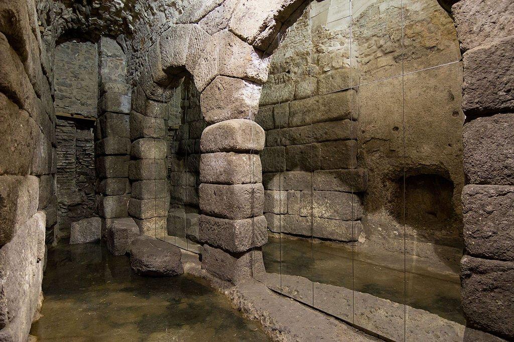"""""""Cueva de Hércules""""- Fotografía de Carlos Delgado CC BY-SA 4.0"""