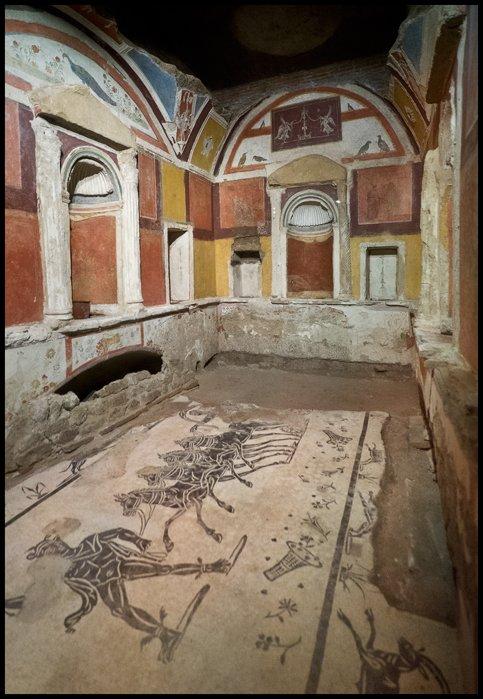 necrópolis Vaticana Wikimedia