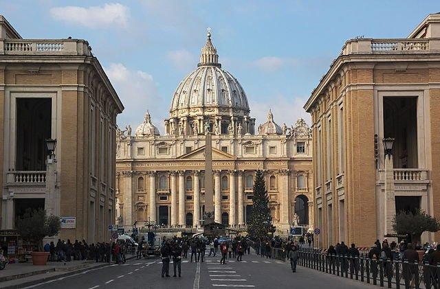 Vaticano Basilica De San Pedro, Planeta Incógnito